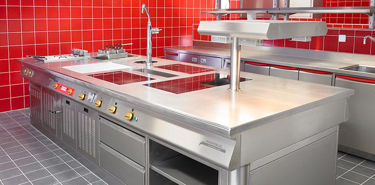 construit pour des g n rations hugentobler schweizer kochsysteme ag. Black Bedroom Furniture Sets. Home Design Ideas